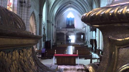 45 Minutes à l'Eglise de Saint Etienne de Chinon