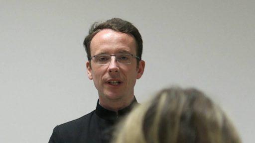 Le Prix Henri-de-Lubac à un prêtre français …